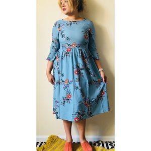 Dresses & Skirts - Blue Boho Bell Sleeve Floral Midi Dress Medium